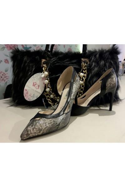 Zapato pitón negro