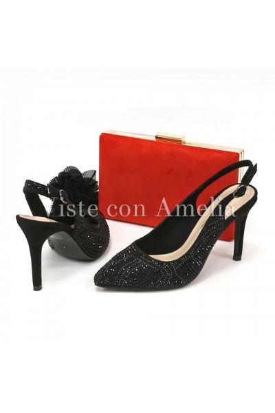 Zapato negro abalorios