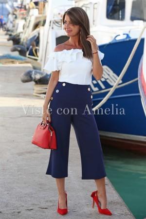 Pantalón navy azul marino estilo capri de tiro alto con botones dorados