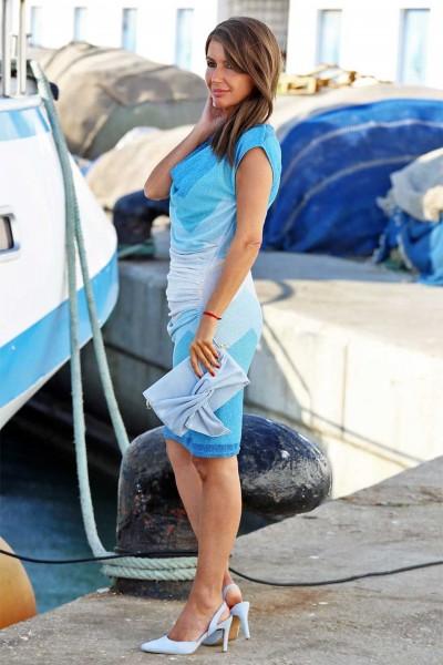 Vestido Tardes de Verano en tonos azules y drapeado en la parte delantera