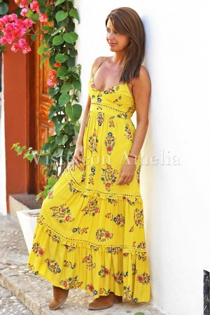 Vestido largo color amarillo de estilo boho chic